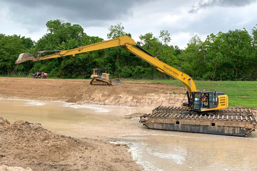 EIK Amphibious Excavator